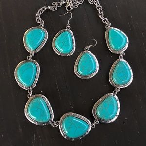 Jewelry - Silver & turquoise Necklace